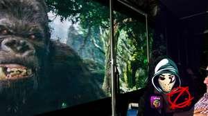 Zangado enfrenta King Kong nos estúdios da Universal em LA